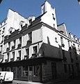 Rue Saint-Paul angle rue Charles V.jpg