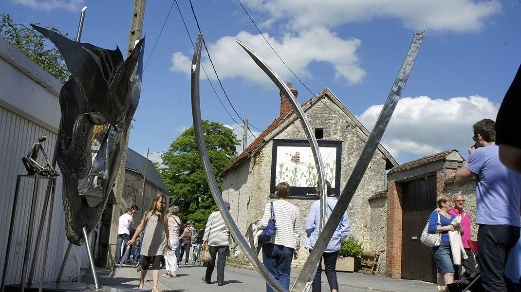La rue Sébastopole d'Hermonville accueillant l'événement art et jazz.