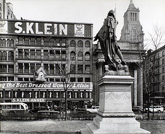 S. Klein - This 1936 Berenice Abbott photograph of Union Square shows the S. Klein annex building