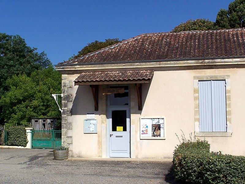 Town hall of Saint-Michel-de-Castelnau (Gironde, France)