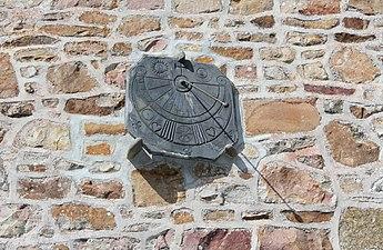 Saint-Michel-des-Andaines - Cadran solaire.jpg