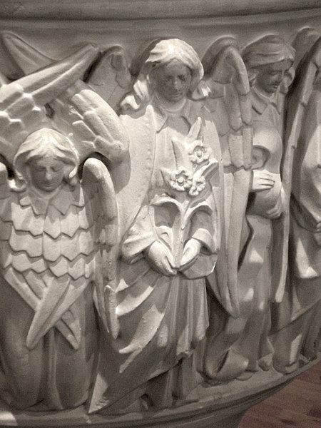 File:Saint Michael and All Angels Shelf 018.jpg