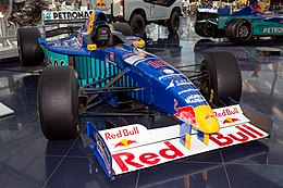 Sauber C16 front-right 2017 Hangar-7 1.jpg
