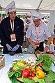 Schlesische Köche bei der Zubereitung von Speisen .2013.JPG