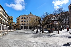 Segovia - Plaza Mayor - 113510.jpg