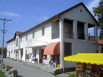 Moravac - Image: Selo Moravac dom