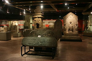 Shandong Museum - View of the permanent collection in the basement of the museum building on the foot of the Thousand Buddha Hill in 2008.