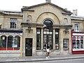 Shops on Pulteney Bridge - geograph.org.uk - 538692.jpg