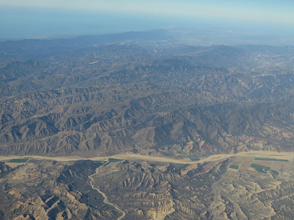File:Sierra Madre Mountains, California (21582950295).jpg ...