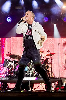 Jim Kerr Scottish singer-songwriter