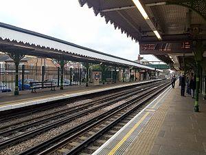Snaresbrook tube station - Image: Snaresbrook tube station (3)