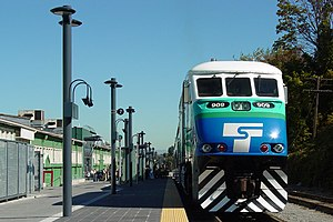 Tacoma Dome Station - Sounder train at Tacoma Dome in 2003
