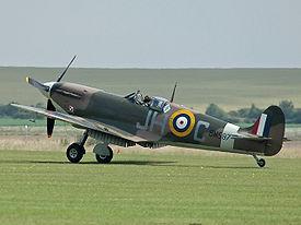 Supermarine Spitfire 275px-Spitfire_F_VB_BM597