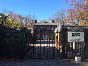 Staten Island Zoo - Staten Island Zoo Entrance