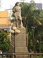 Statue in Qionghai - panoramio (1).jpg