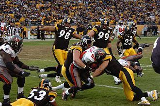 Aaron Smith (American football) - Image: Steelers defense