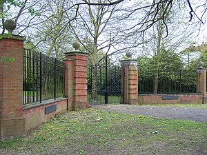 Swakeleys House - The main gates at the beginning of the driveway