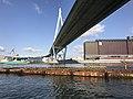Tempozan Bridge from Tempozan Ferry.jpg