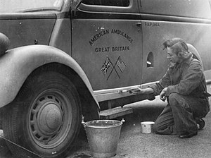 American Ambulance Great Britain - Image: The work of the Anglo american Ambulance Unit in Britain, 1941 D4000