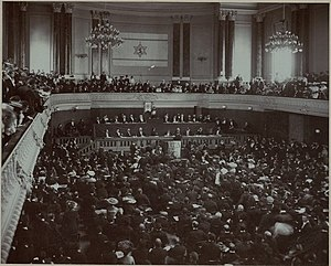 Theodor Herzl Addressing the Second Zionist Congress in Basel, 1898 AL003483697