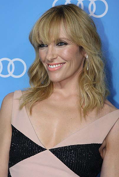 Toni Collette -Early life