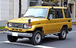 HZJ76HV Four-door semi-long van 4.2D LX (Japan)