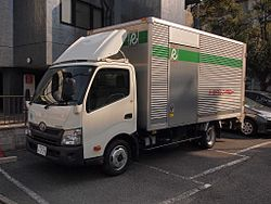 Toyota Rent-a-car Dyna (8th-wide) Dry van.jpg