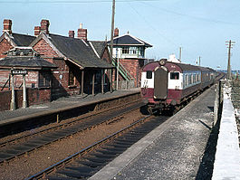 Train at Kilroot railway station.jpg