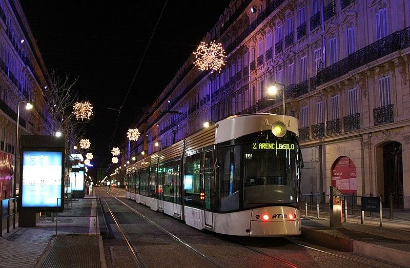 tramway Marseille de nuit Sadi Carnot