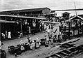 Tropenmuseum Royal Tropical Institute Objectnumber 60007058 Markt te Paramaribo.jpg