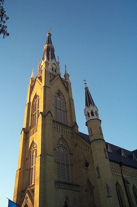Notre Dame Katholisch Oder Evangelisch Unterschiede