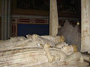 Margaret Leijonhufvud - Grave monument to Margaret, Gustav and his first consort Catherine (far side) over their crypt in Uppsala Cathedral