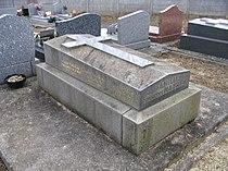 Vémars - Cemetery - François Mauriac.jpg