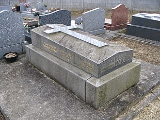 François Mauriac - His grave in Vémars.