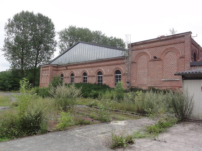 Vadencourt (Aisne) abbaye de Bohéries 03 cloitre devenu usine de tussage
