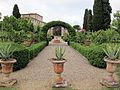 Villa di geggiano, giardino 12.JPG