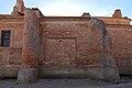 Villafáfila, Iglesia de Santa Maria, fachada oeste, detalle contrafuertes.jpg