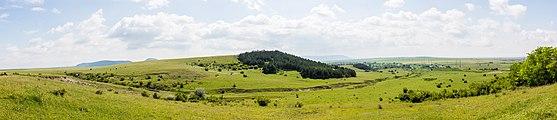 Vista de Nevsha, Bulgaria, 2016-05-27, DD 58-62 PAN.jpg