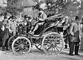 Voiture d'A. Menier au départ du Paris-Marseille-Paris 1896.jpg