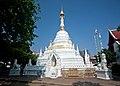 Wat Chetiwan (11900971726).jpg