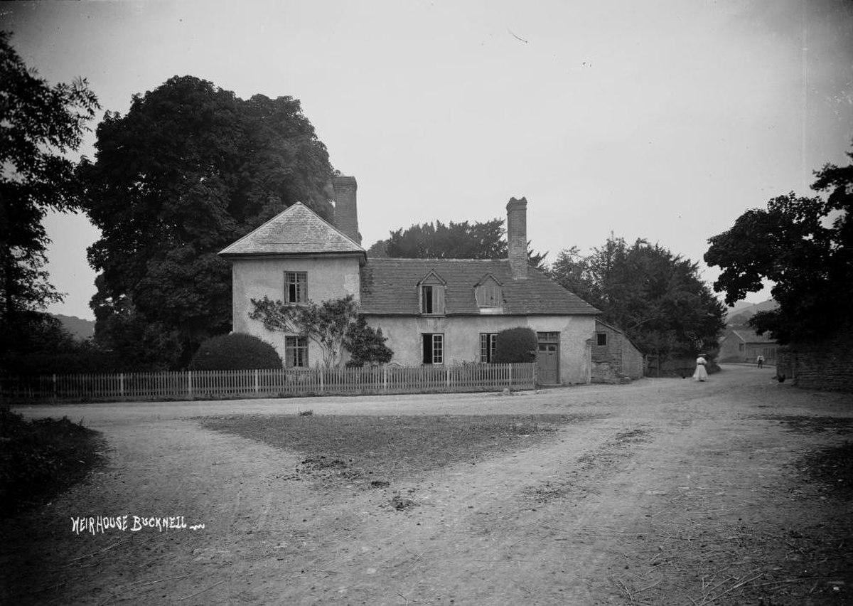 Weir house Bucknell (1295114).jpg