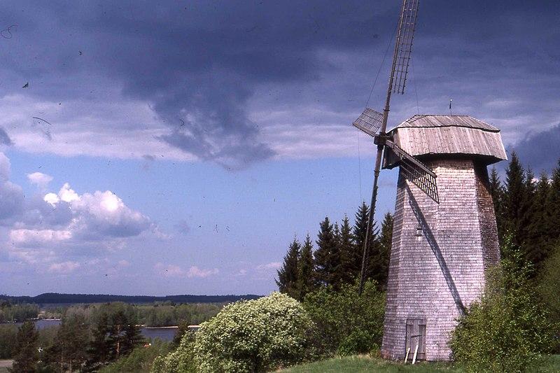 File:Windmill in Finland in 1987.jpg