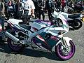 Yamaha FZR1000 01.jpg