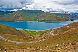 Yamdrok Lake2.jpg