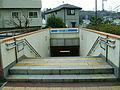 Yokohama-municipal-subway-B07-Maioka-station-2-entrance-stairs.jpg