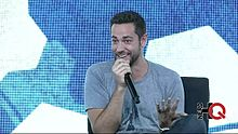 Datei:Zachary Levi about working on Broadway at NerdHQ 2014.webm