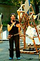 Zinnober Merzbau Merzfest Merz-Karaoke Anmoderation von Anna Grunemann Bauleiterin.jpg