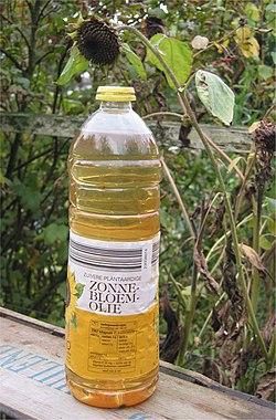 Zonnebloemolie (Sunflower oil).jpg