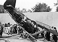 Zsákmányolt szovjet I-15 Csajka vadászrepülőgép roncsa az 1942.-es Nemzetközi Vásáron. Fortepan 26596.jpg