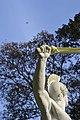 """""""Claudius Civilis en de Grote Ijzeren Vogel"""" (standbeeld van Lodewijk Van Geel, Tervuren, Vlaams-Brabant).jpg"""